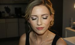Braut-Make-Up-Hairstyling-12